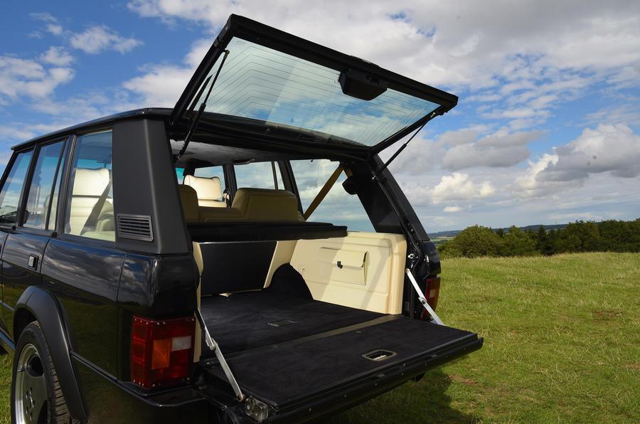JIA Chieftain Range Rover split tailgate
