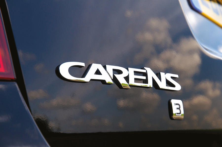 Kia Carens badging