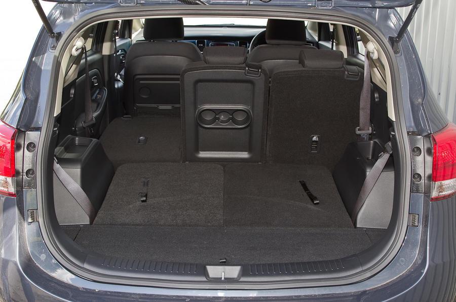 Kia Carens boot space