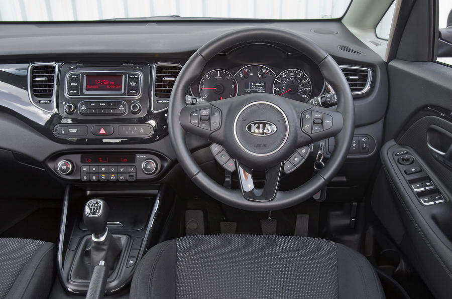 Kia Caren dashboard