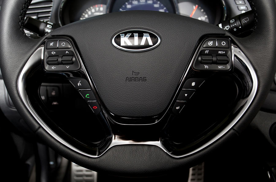 Kia Cee'd steering wheel