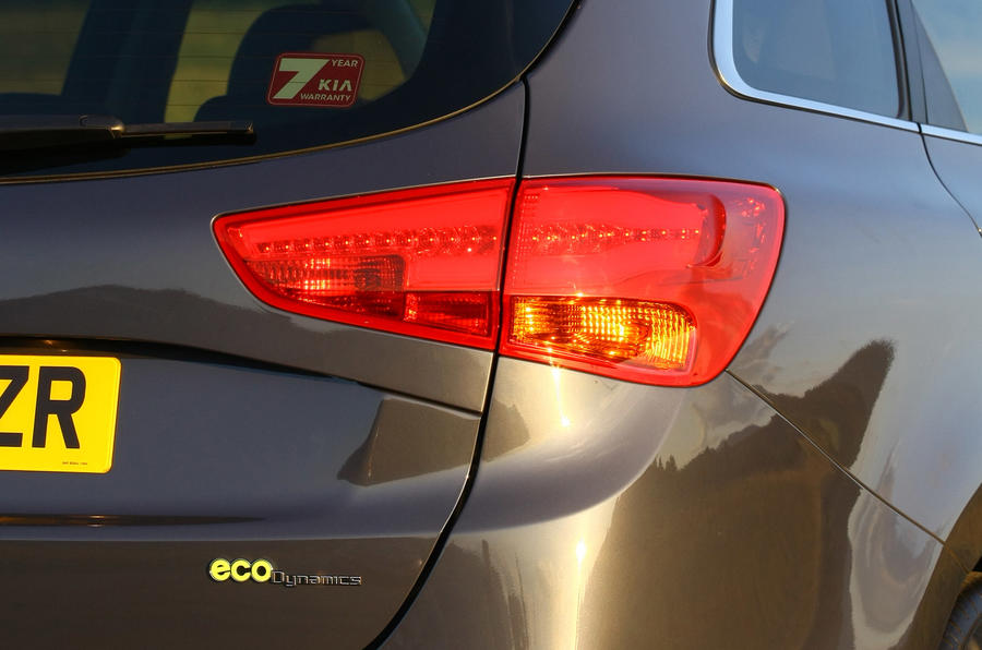 Kia Cee'd Sportswagon tailight