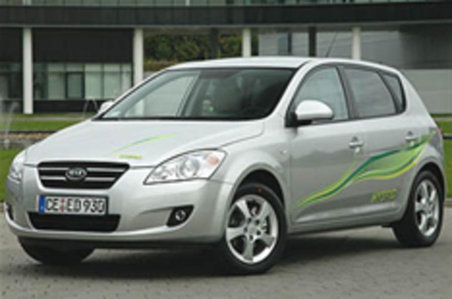 Kia hybrid concepts at Paris