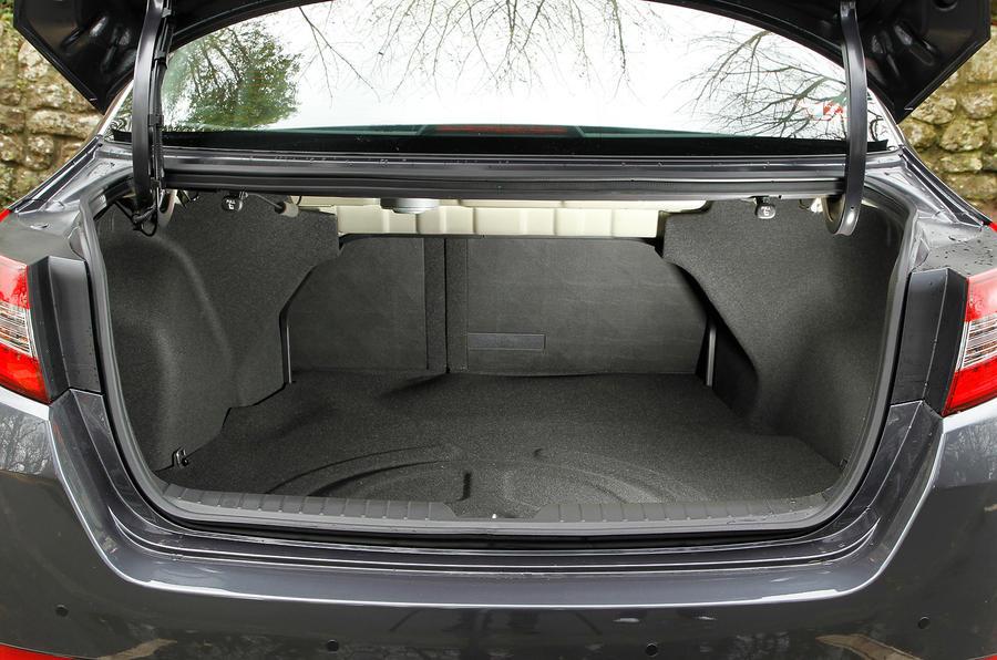 Kia Optima boot space