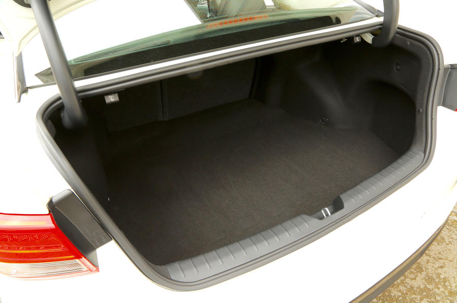 Kia Optima boot space