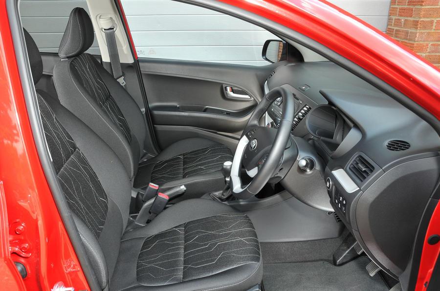 Kia Picanto 2011-2017 interior | Autocar