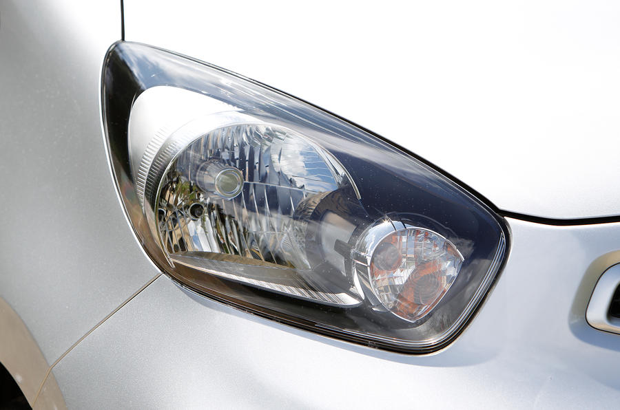Kia Picanto headlights