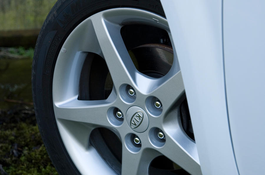 Kia Procee'd alloy wheels