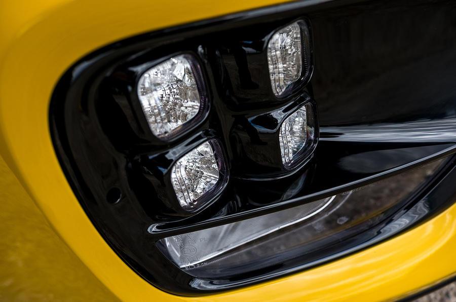 Kia Procee'd GT LED foglights