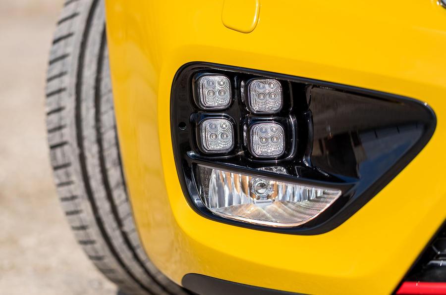 Kia Procee'd GT foglights