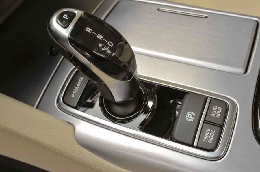 Kia Quoris automatic gearbox
