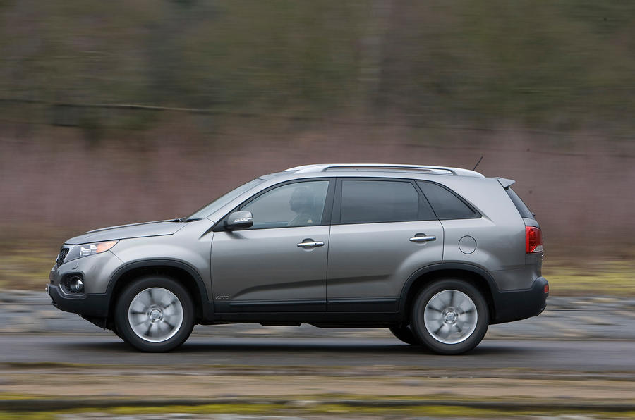 Kia Sorento side profile