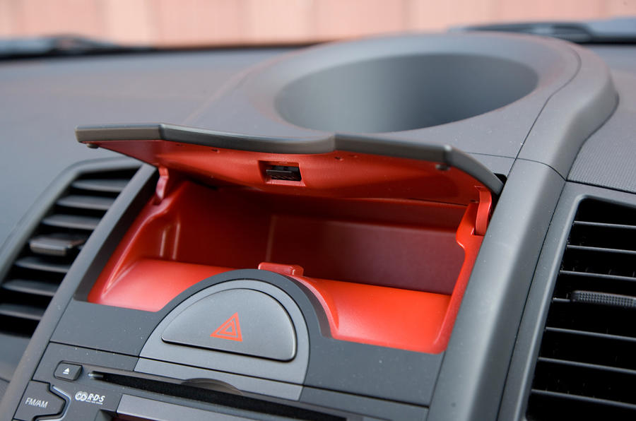 Kia Soul red-lined glovebox