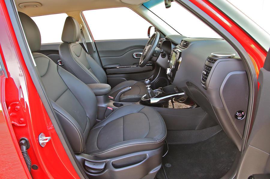Kia Soul front seats