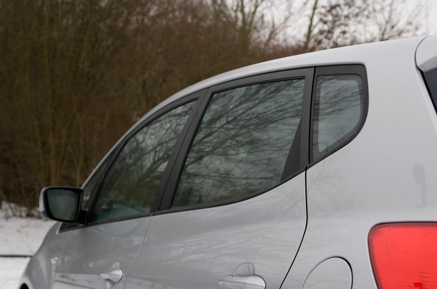 Kia Venga rear windows