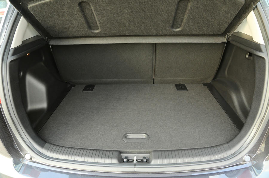 Kia Venga boot space