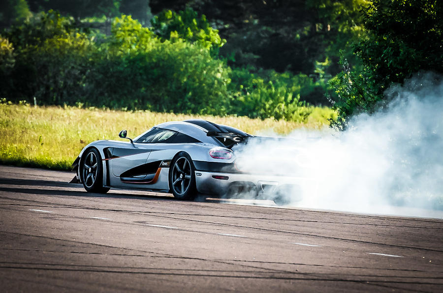 Koenigsegg One:1 rear drifting