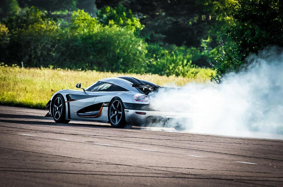 Koenigsegg One:1 rear drifting