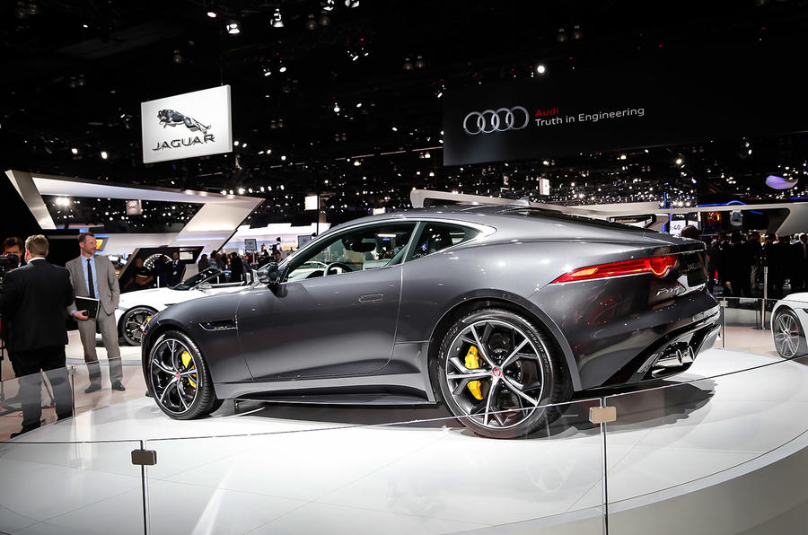 Jaguar adds manual option and AWD for 2016 F-type
