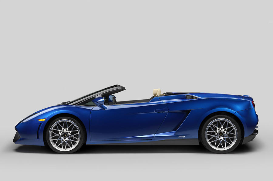New rear-drive Lambo Spyder shown