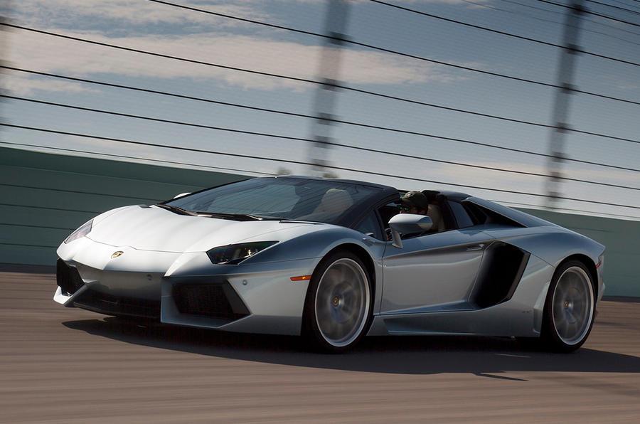 A drive in a Lamborghini Aventador LP700-4 Roadster