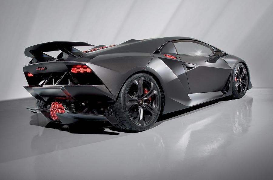 Paris show: Lamborghini Sesto Elemento