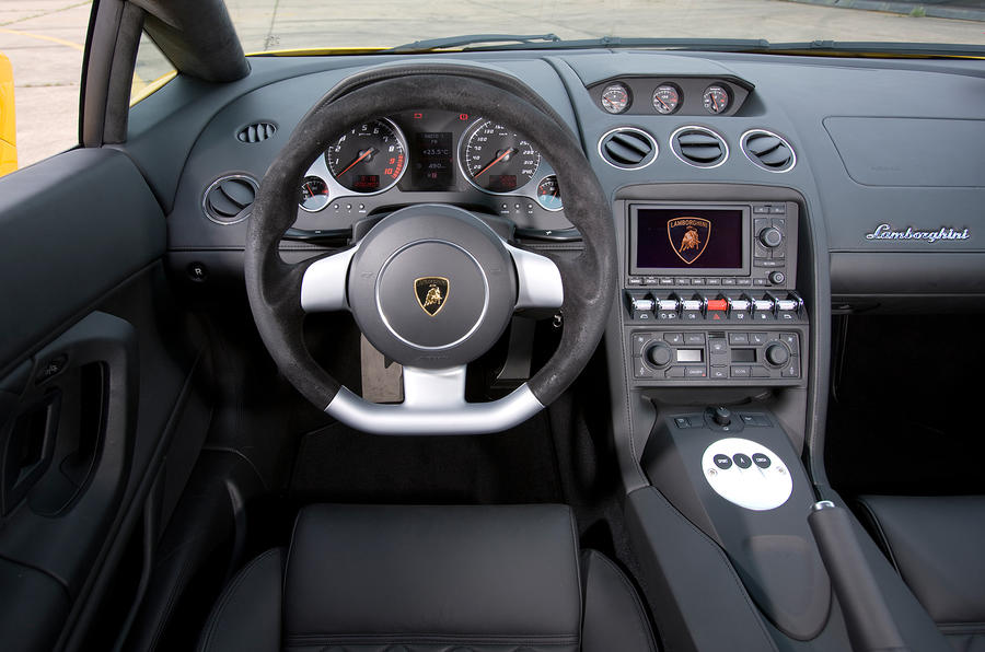 Lamborghini Gallardo dashboard