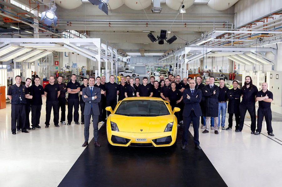 Lambo builds 10,000th Gallardo