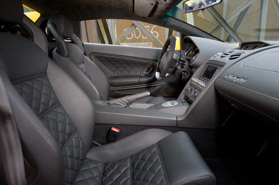 Lamborghini gallardo interior