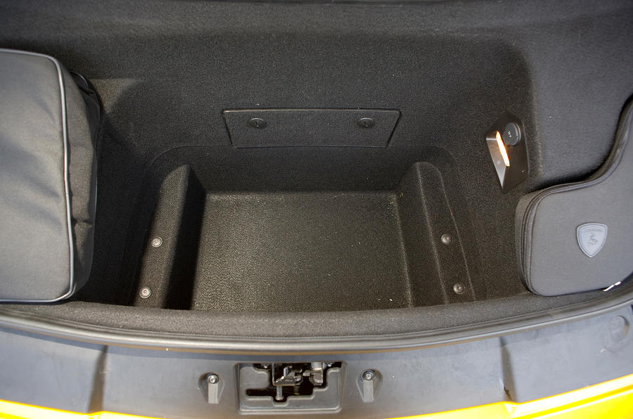 Lamborghini Gallardo boot space