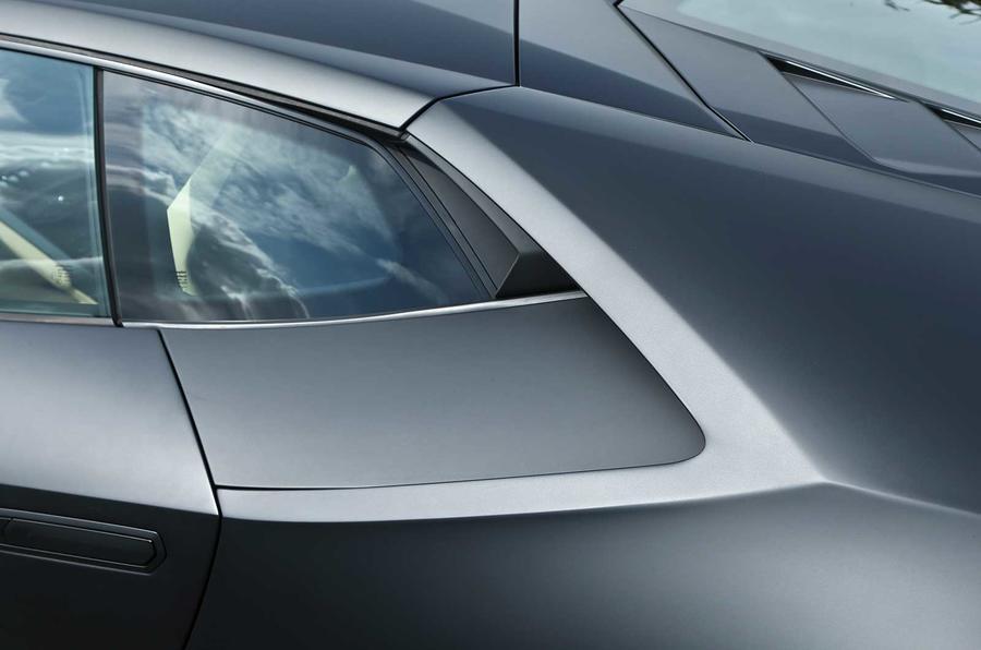 Lamborghini Huracan LP610-4 rear window
