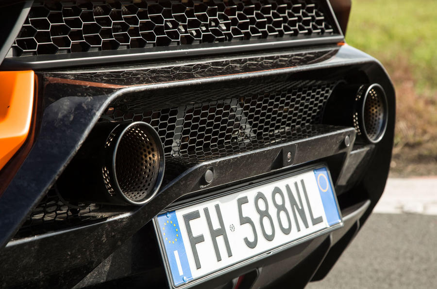 Lamborghini Huracán Performante dual exhausts