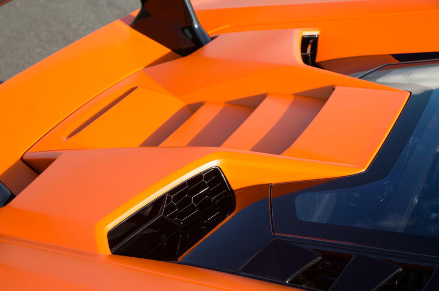 Lamborghini Huracán Performante engine air intake