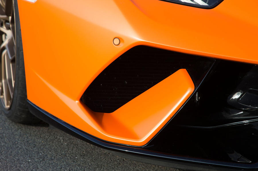 Lamborghini Huracán Performante front brake intake