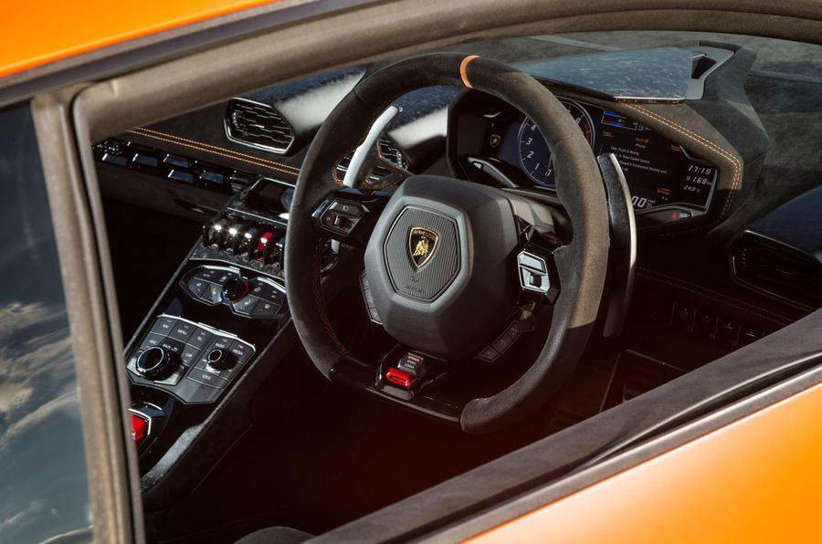 ... Lamborghini Huracán Performante Interior ...