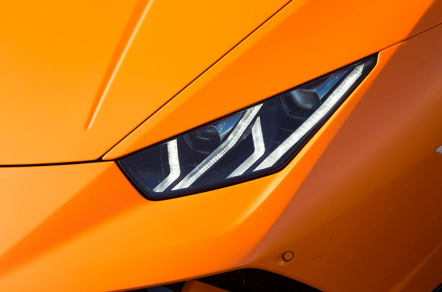 Lamborghini Huracán Performante LED headlights