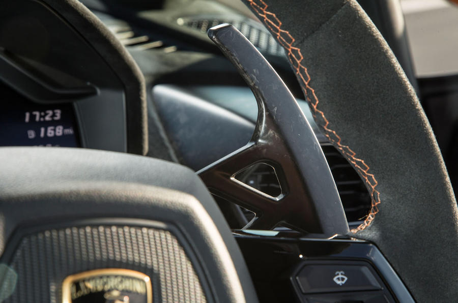 Lamborghini Huracán Performante paddle shifters