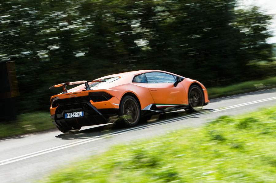 Lamborghini Huracán Performante rear cornering