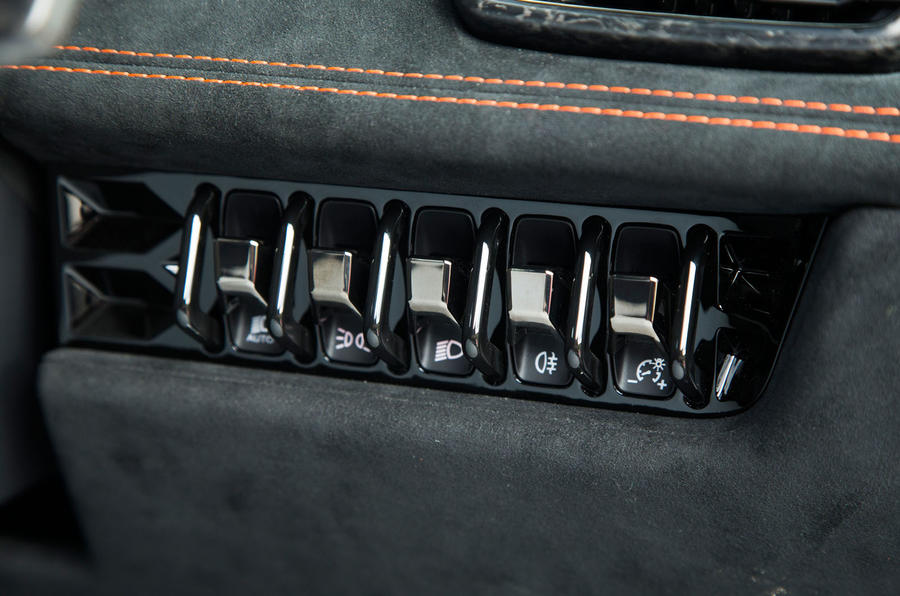 Lamborghini Huracán Performante switchgear