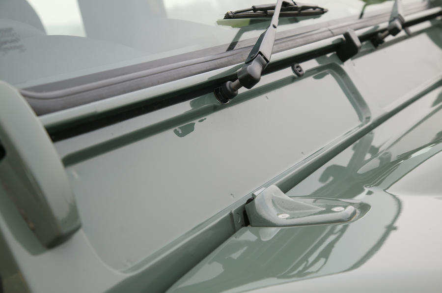 The Defender's filmsy windscreen wipers