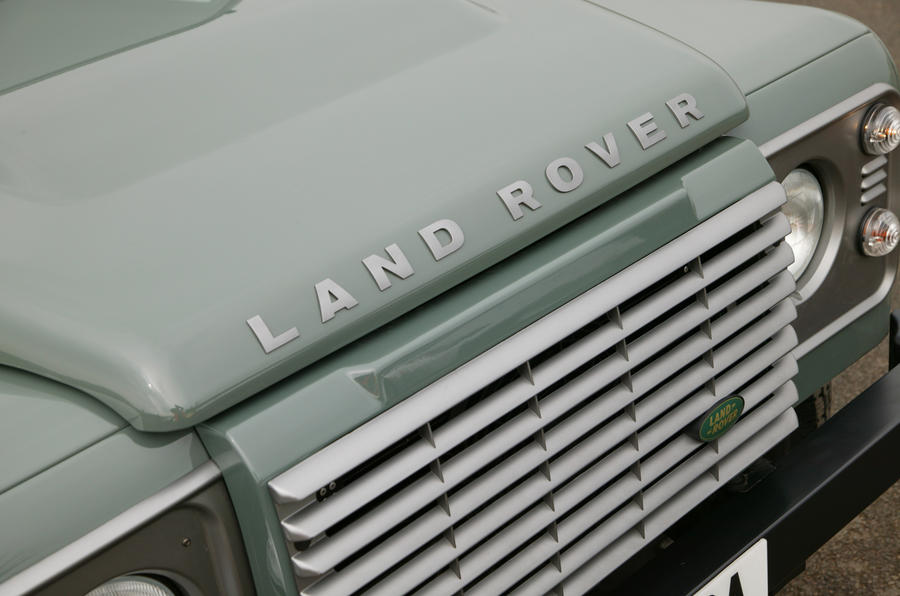 Land Rover Defender bonnet bulge