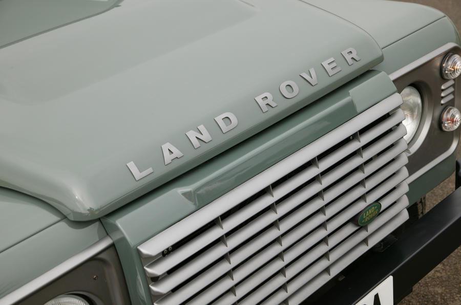 Land Rover Defender bonnet bulge