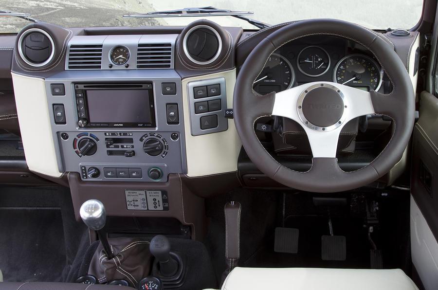 Land Rover Defender Twisted dashboard