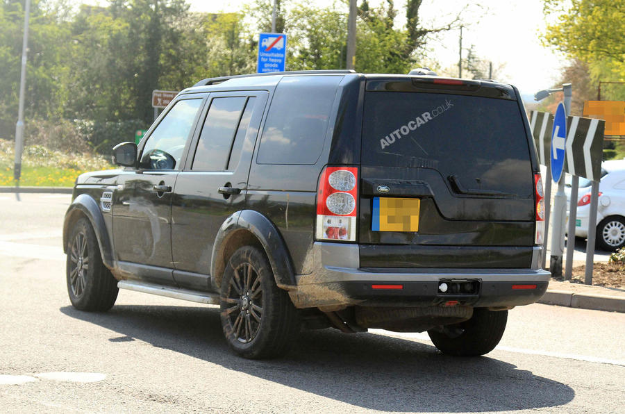 Land Rover Discovery revamp on the way