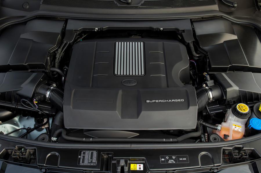 3.0-litre V6 Land Rover Discovery engine