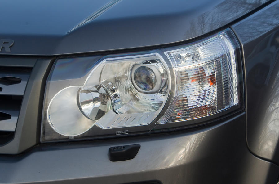 Land Rover Freelander projector headlights