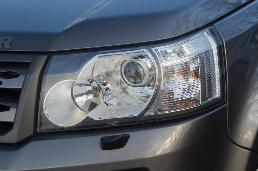 Land Rover Freelander projector headlights
