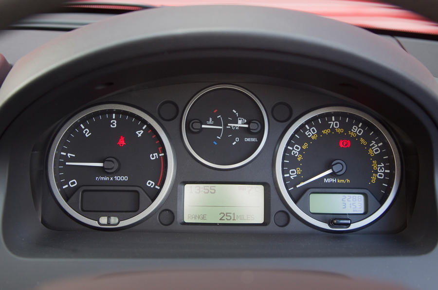 Land Rover Freelander instrument cluster