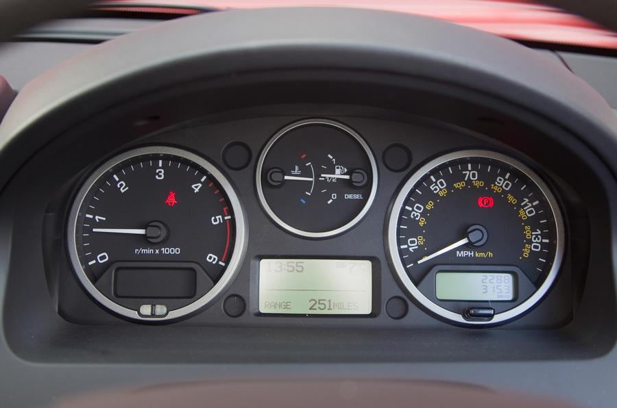 Land Rover Freelander instrument cluster