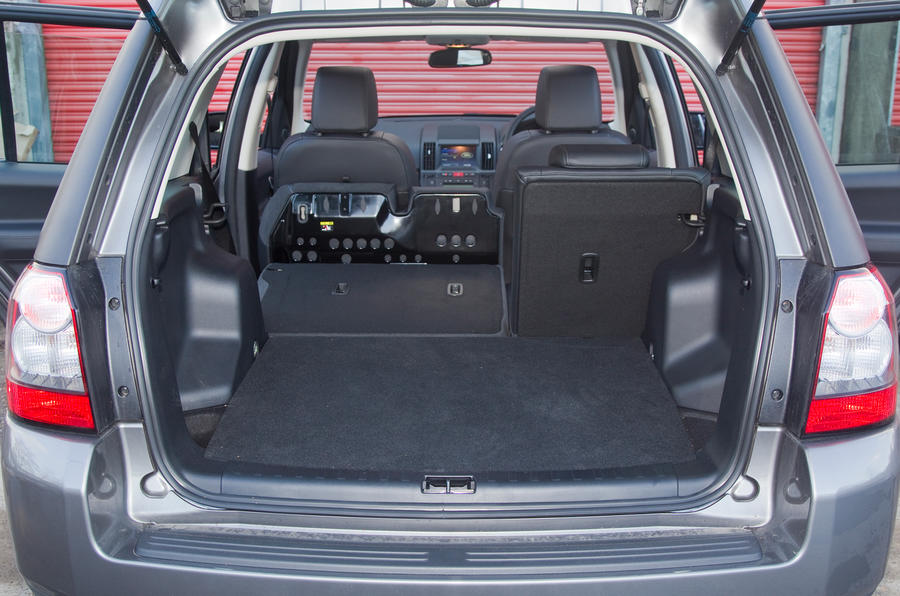 Land Rover Freelander boot space